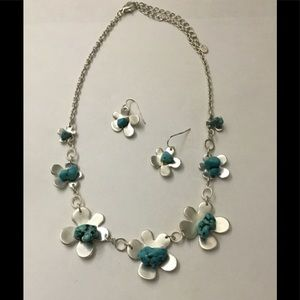 Silver & Turquoise Flower Necklace & Earring Set